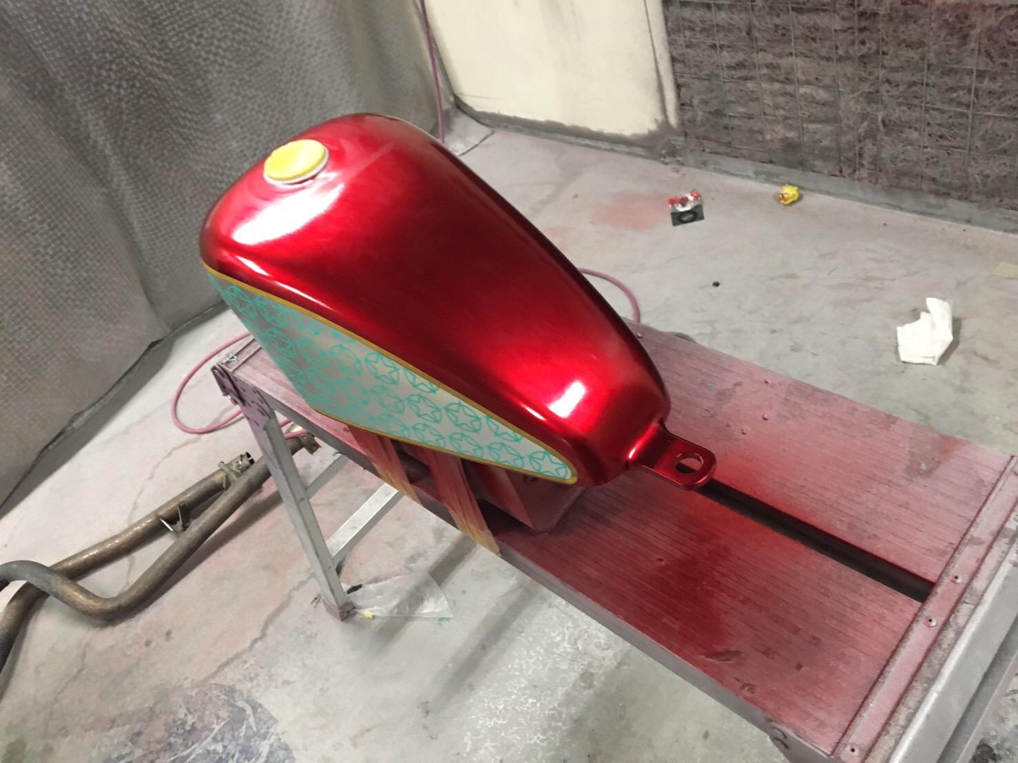 バイク ハンドル・燃料タンク塗装施工後7