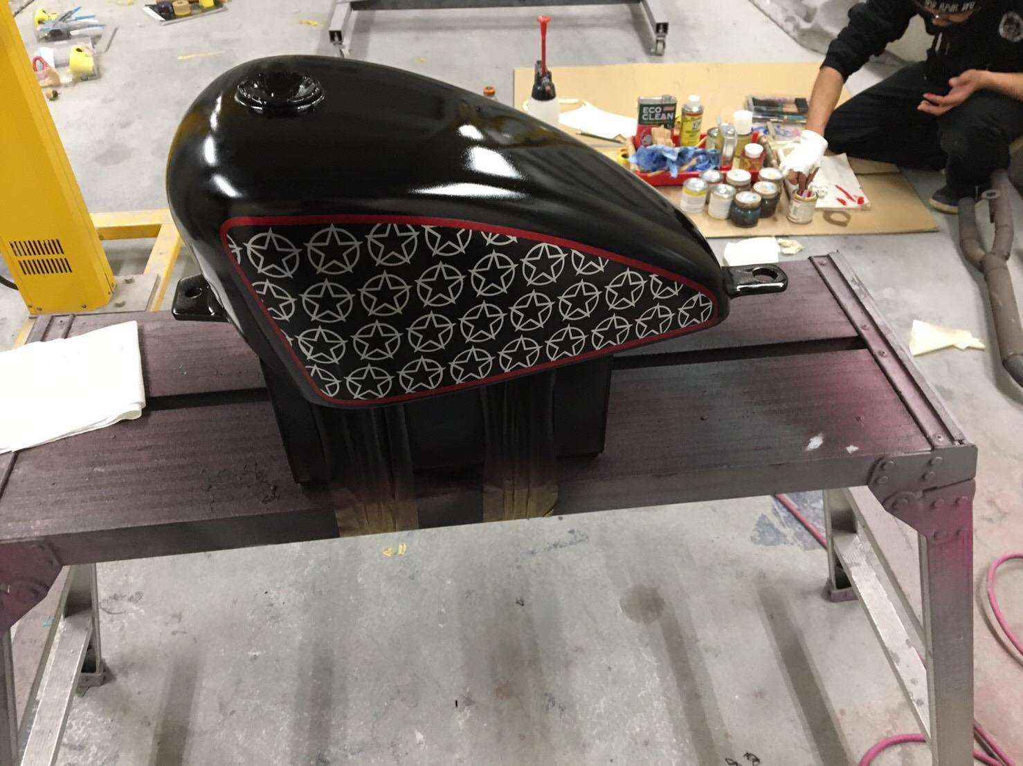 バイク ハンドル・燃料タンク塗装施工後8